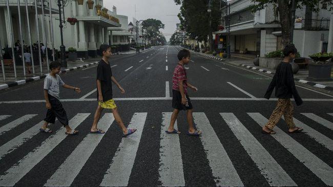 sasaran random check yakni kendaraan yang keluar dari Tol Soreang dan Tol Cileunyi, terutama kendaraan pribadi maupun umum.