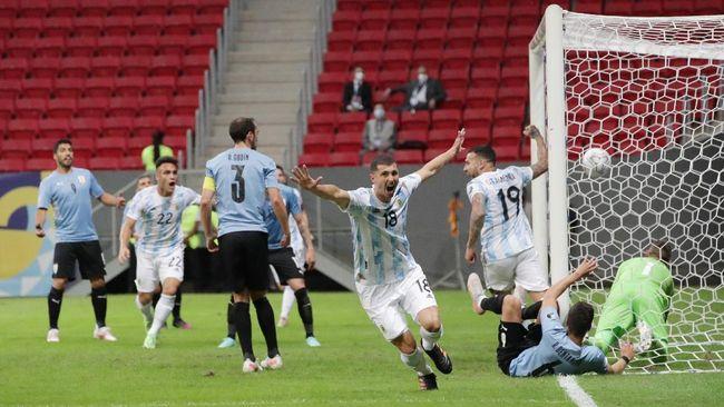 Argentina menang 1-0 atas Uruguay dalam laga fase grup Copa America 2021di Stadion Mane Garrincha, Brasilia, Brasil, Sabtu (19/6) pagi waktu Indonesia.
