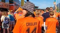 <p>Wanita 31 tahun ini juga tetap aktif bekerja lho. Belum lama ini, Gracia menjadi reporter Indonesia untuk Piala Euro yang diadakan di Belanda. (Foto: Instagram @graciaz14)</p>