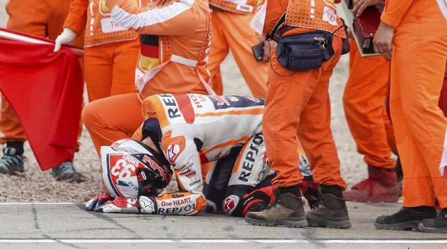 Marc Marquez tampak emosional merayakan kemenangan di MotoGP Jerman, mulai dari bersujud hingga menangis.