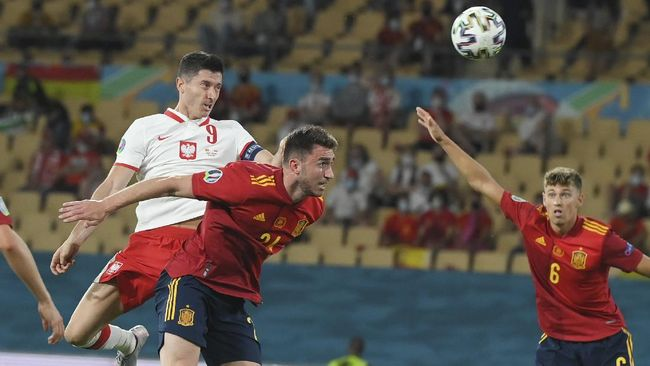 Pemain belakang Cesar Azpilicueta ingin Spanyol tiru Chelsea jelang melawan Slovakia dalam laga penentuan Grup E Euro 2020 (Euro 2021).
