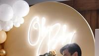<p>Pasangan yang menikah di 2017 itu juga tak menutupi kebahagiaan mereka. Keduanya akan segera dikaruniai momongan pertama yang dijuluki dengan sebutan 'Baby G'. (Foto: Instagram: @fionaanthony)</p>