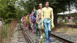 FOTO: Gaya Pria 'Etro' yang Terinspirasi Sejarah Milan