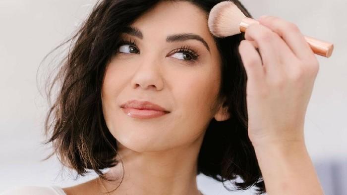 Mengenal Soft Sculpting: Teknik Contouring Baru yang Bikin Makeup Kamu Gak Terkesan Berat