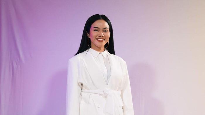 Inspirasi Gaya Kain yang Cocok Buat Mix and Match dengan Bajumu