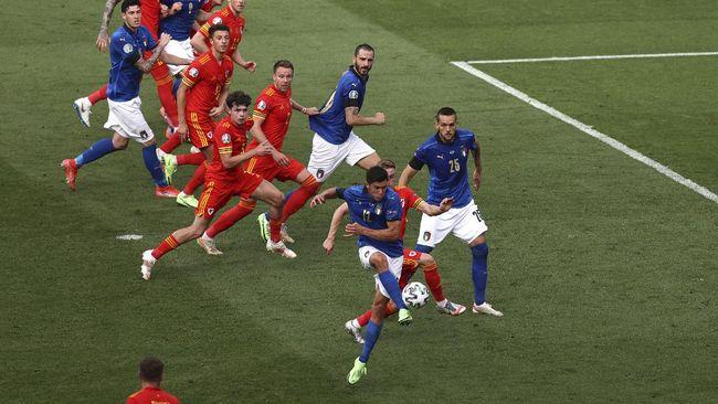 Timnas Italia berhasil jadi juara grup A Euro 2020 (Euro 2021) dan Wales lolos ke 16 besar sebagai runner up.