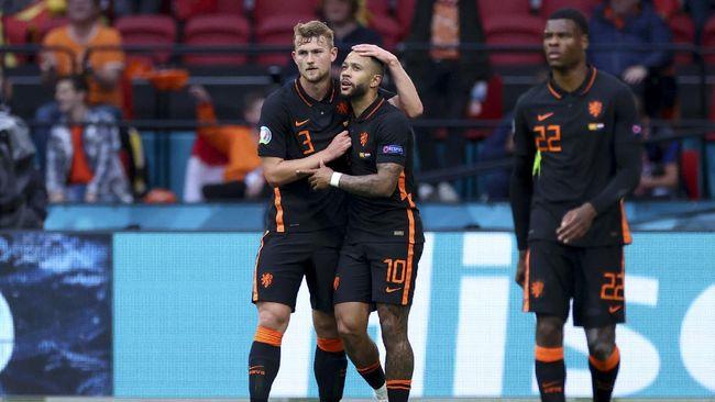 Timnas Belanda untuk sementara unggul 1-0 atas Makedonia Utara pada babak pertama lanjutan Grup C Euro 2020 (Euro 2021) di Johan Cruijff Arena.