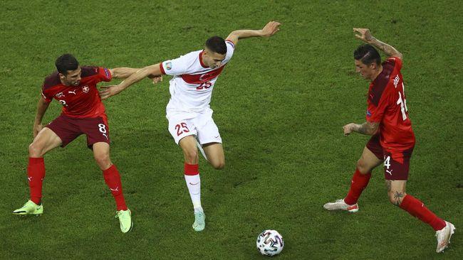 Timnas Turki dipastikan jadi tim berikutnya yang tersingkir dari gelaran Euro 2020 (Euro 2021).