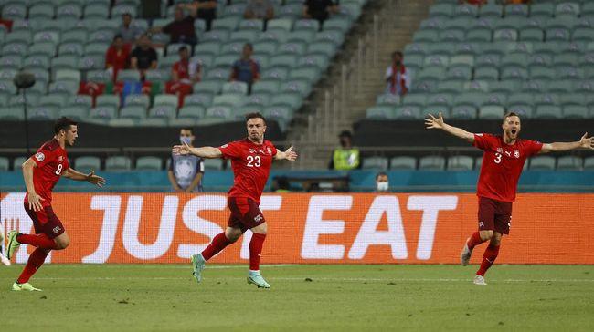 Timnas Swiss mengalahkan timnas Turki di Euro 2020 (Euro 2021) dan membuka peluang lolos ke 16 besar lewat jalur peringkat tiga terbaik.