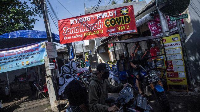 Data terakhir per 20 Juni yang dirilis Satgas Covid-19 pada 24 Juni, mencatat terdapat total 20 kabupaten/kota yang masuk zona merah, didominasi Pulau Jawa.