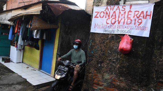 Sejumlah daerah di provinsi Jawa Tengah, DKI Jakarta, Jawa Timur, dan DI Yogyakarta masuk kategori zona merah covid-19 dalam sepekan terakhir.