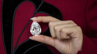 FOTO: Berlian Langka 100 Karat Dilelang dengan Bitcoin