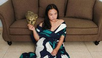 <p>Perempuan kelahiran Juni 1993 ini baru saja menginjak usia 28 tahun, Bunda. (Foto: Instagram @chikabagaskara)</p>