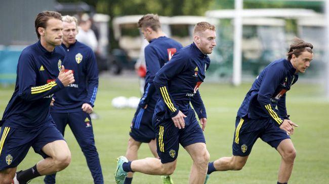 Euro 2020 (Euro 2021) digelar di bawah ancaman Covid-19. Berikut 9 pemain yang positif Covid-19 sebelum dan saat Euro 2020 berlangsung.