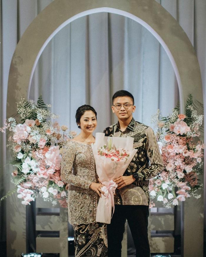 Kedekatannya diketahui publik sejak tahun 2019, kini Winona dan Galih telah mantap untuk menikah. Selama ini hubungan mereka kerap dipublikasikan di media sosial. (instagram.com/nonawilly16)