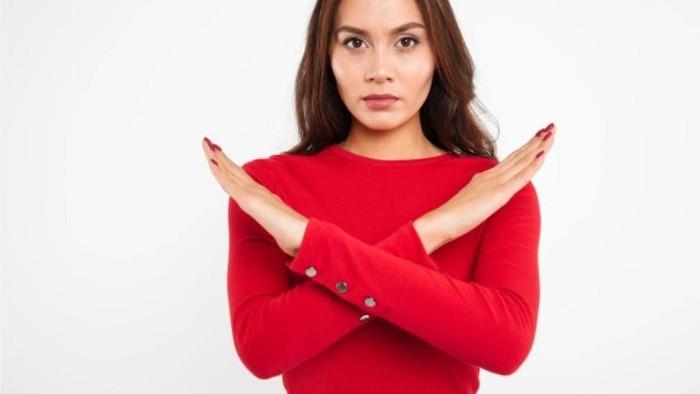 Kesalahan Fashion yang Bikin Tubuh Terlihat Pendek