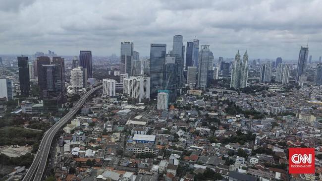 FOTO: 494 Tahun Jakarta, Kontras Hidup di Ibu Kota