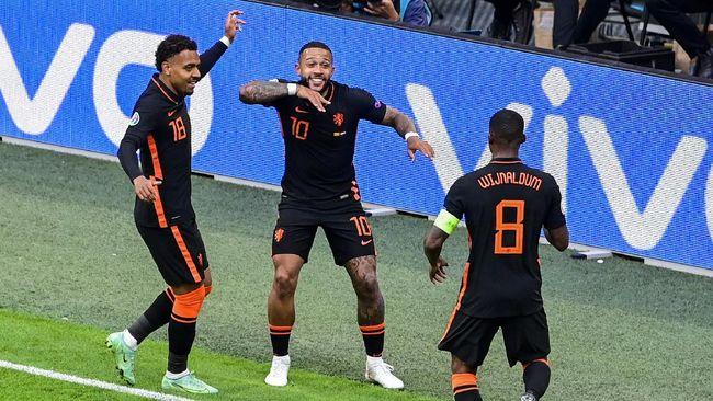 Timnas Belanda menutup babak penyisihan Grup C Euro 2020 (Euro 2021) dengan sempurna usai mengalahkan Makedonia Utara 3-0 di Johan Cruijff Arena.