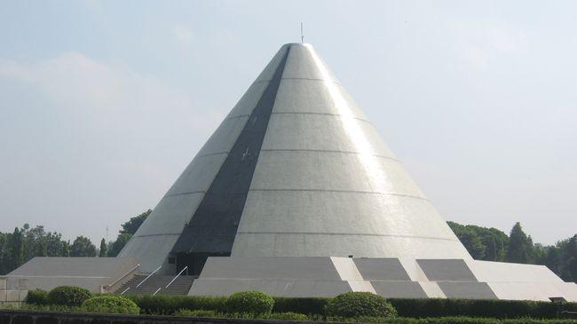 Peristiwa Jogja Kembali menandai mundurnya militer Belanda dari Yogyakarta, yang saat itu masih merupakan ibu kota Indonesia. Berikut ulasan sejarahnya.