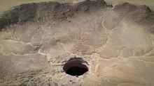 Cerita Manusia Pertama Sampai di Dasar Sumur Neraka Yaman