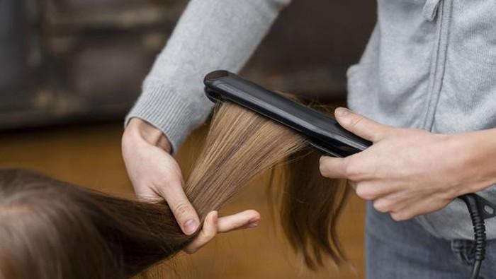 5 Tips Memilih Catokan yang Aman dan Bagus untuk Rambut