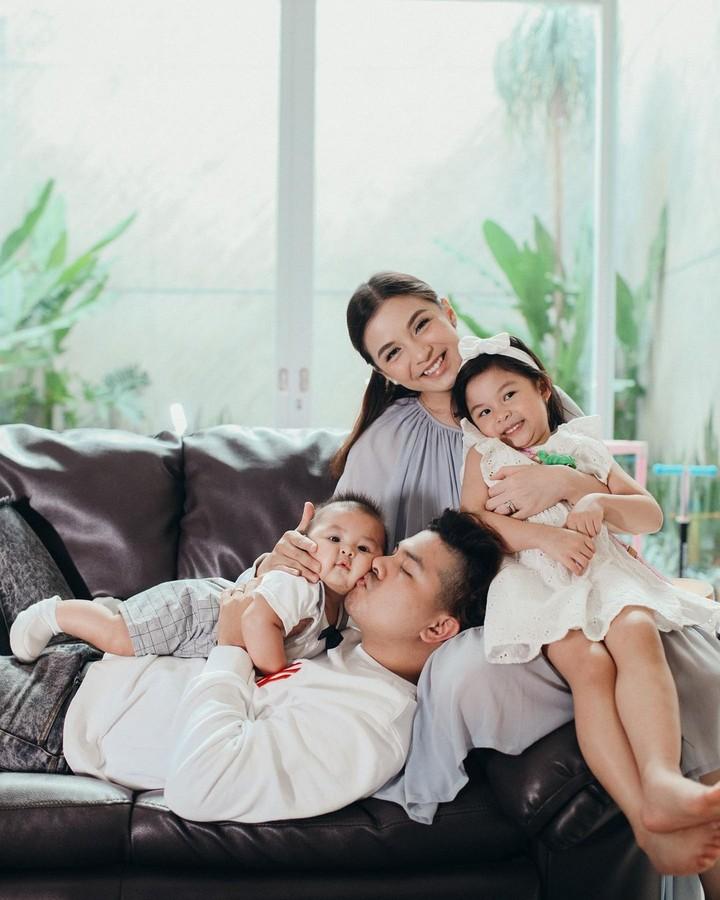 Chelsea Olivia dan Keluarga