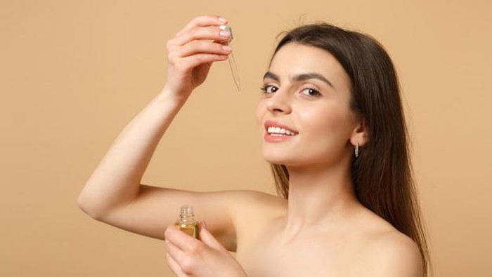 Panduan Layering Skincare Berbahan Acid Biar Kulit Gak Iritasi