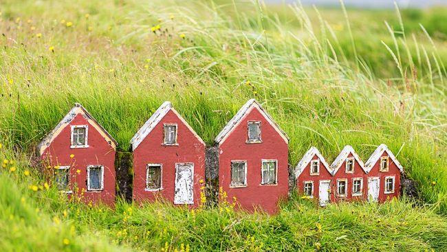 Hati-hati saat melangkah di gunung atau hutan Islandia, karena bisa jadi ada rumah peri di balik bebatuannya.