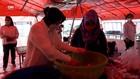 VIDEO: Mensos Pasok 2 Ton Telur Ayam Matang ke Wisma Atlet