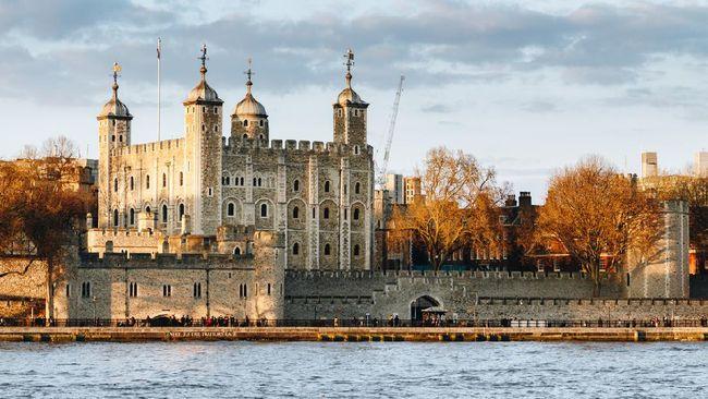 Tower of London (Menara London) merupakan salah satu bangunan bersejarah di Inggris yang sarat kisah kelam.
