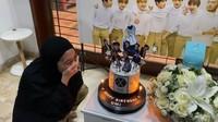 <p>Istri Ananda Omesh itu telah menginjak usia 35 tahun. Omesh menyiapkan kejutan spesial berupa dekorasi bertema boyband EXO. (Foto: Instagram: @dianayulestari)</p>