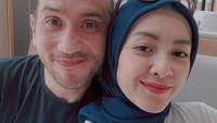 <p>Gary Iskak resmi menikah dengan Richa Novisha pada tahun 2009, Bunda. Keduanya pun kini telah dikaruniai dua orang anak. (Foto: Instagram: @richaiskak)</p>