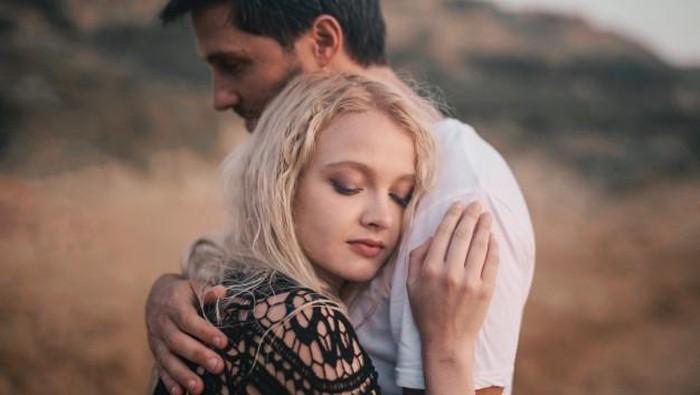 5 Hal yang Bisa Kamu Lakukan Ketika Pasangan Sedang Ada Masalah