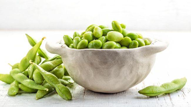 Sejumlah snack efektif membantu menurunkan kolesterol. Snack ini umumnya merupakan makanan sehat dan kaya akan nutrisi baik.