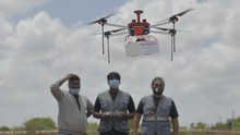FOTO: Uji Coba Drone Pendistribusi Vaksin ke Pelosok India