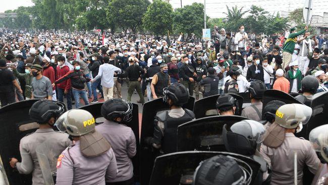 Media asing soroti kerusuhan dan vonis Rizieq Shihab hingga Taiwan serukan siap tempur lawan China, ramaikan berita internasional, Kamis (24/6).