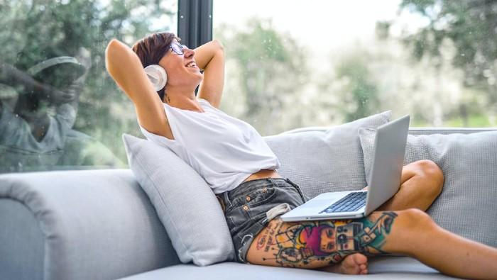 Supaya Gak Lupa Kehidupan Pribadi, Ini 4 Tips Menerapkan Batasan Kerja