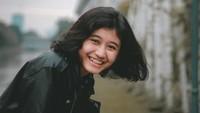 <p>Siti Aisyah Mardhiya Amilia adalah sosok viral yang dibilang mirip dengan Nike Ardilla, Bunda. Ternyata usia wanita yang akrab disapa Amel baru menginjak 18 tahun, lho. (Foto: Instagram: @melamilia)</p>