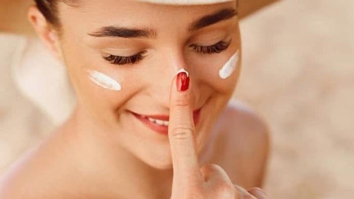 Tangkal Bahaya Sinar UV dengan 5 Pilihan Produk Hybrid Sunscreen: Kulit Sensitif Approved