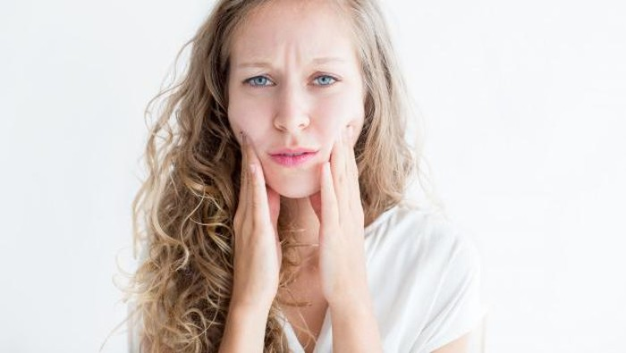 Bikin Kulit Iritasi dan Jerawatan! Hindari Kandungan Ini Dalam Memilih Skincare untuk Remaja