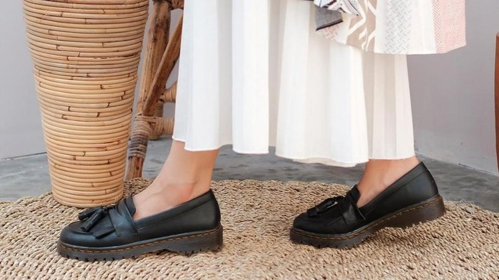 Dipakai Gak Bikin Pegal, Ini Sepatu Loafers Lokal di Bawah 250 Ribu!