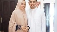 <p>Selama menikah, aktor kelahiran 1984 itu selalu terlihat harmonis bersama sang istri. Ia kerap mengunggah potret kebersamaan mereka di Instagram lho. (Foto: Instagram: @temmyrahadi99)</p>