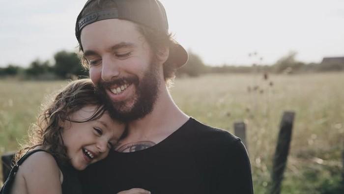 Film Paling Sedih Tentang Ayah dan Anak, Mengharu Biru Penuh Makna!