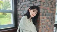 <p>Han So Hee kembali menyita sorotan. Sukses bermain di drama Korea <em>The World of the Married,</em> ia kembali ke layar kaca dengan membintangi serial <em>Nevertheless.</em> Kali ini ia didapuk sebagai pemeran utama dan beradu akting bersama Song Kang, Bunda. Ia memerankan tokoh mahasiswi bernama Yoo Na Bi. (Foto: Instagram: @xeesoxee)</p>