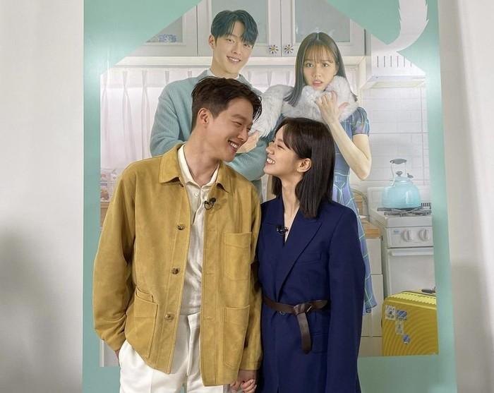 Penonton yang dibuat baper kembali sadar, kalau Hyeri sudah punya kekasih di kehidupan nyata. Walaupun begitu, mereka tetap tidak sabar menunggu kelanjutan drama, dan mengharapkan akhir yang indah untuk pasangan ini / foto: instagram.com/hyeri_0609