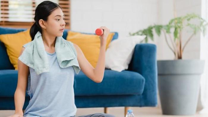 PPKM Darurat Rentan Bikin Panik, 5 Olahraga di Rumah Ini Bisa Bantu Mengatasi Stres