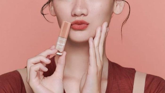 7 Jenis Lip Tint Beserta Rekomendasinya yang Sayang Dilewatkan