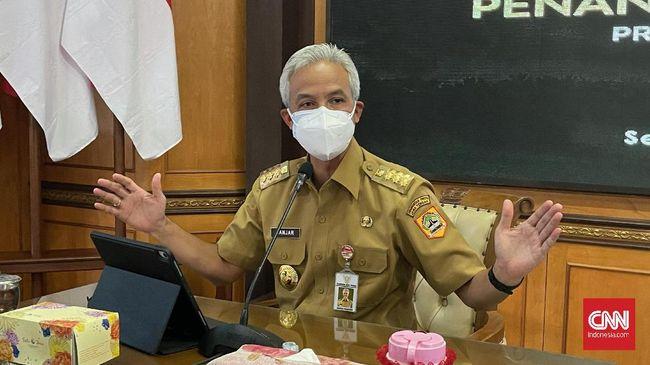 Gubernur Jateng Ganjar Pranowo membeberkan sejumlah pendekatan lingkungan terkait banjir rob Semarang usai disindir Ketum PDIP Megawati Soekarnoputri.