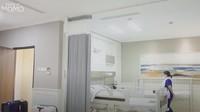 Momo Geisha memang berencana untuk menyewa kamar mewah sebagai tempat perawatan sang putra yang akan melakukan operasi sunat karena memiliki fitur yang canggih, Bunda. (Foto: YouTube Momo Geisha)