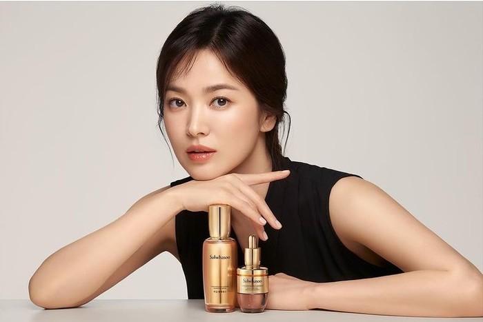 Selain brand fashion, Song Hye Kyo juga menjadi Brand Ambassador Sulwhasoo produk perawatan kulit asal negeri ginseng, Korea. /Sumber: Instagram.com/kyo1122